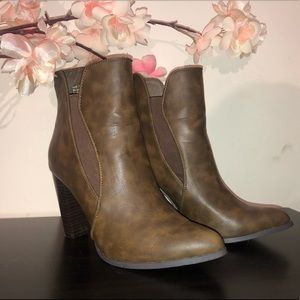 Penny loves Kenny Brown Heeled Boots size: 7.5